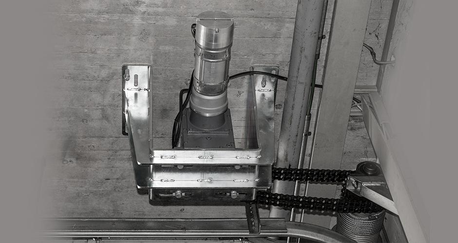 GfA-Feuerschutz-ELEKTROMATEN FS im Einsatz an einem Brandschutzsektionaltor