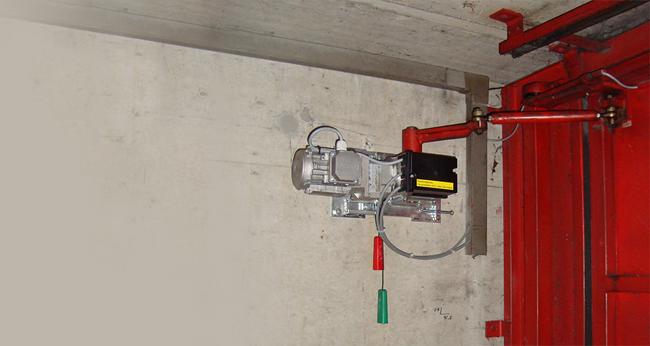 GfA-Falttor-ELEKTROMATEN FT im Einsatz an einem Falttor